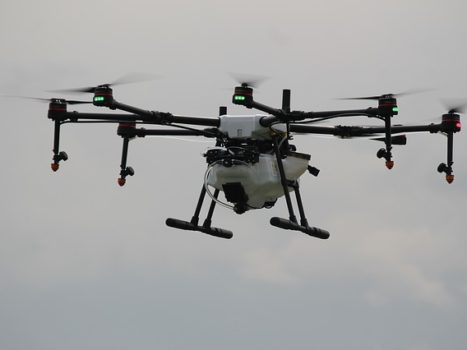 Na co zwrócić uwagę przy zakupie drona?