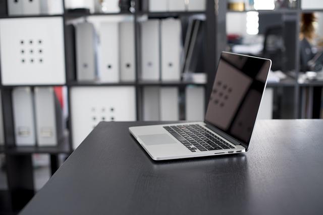 Jak wyczyścić wentylator w laptopie?