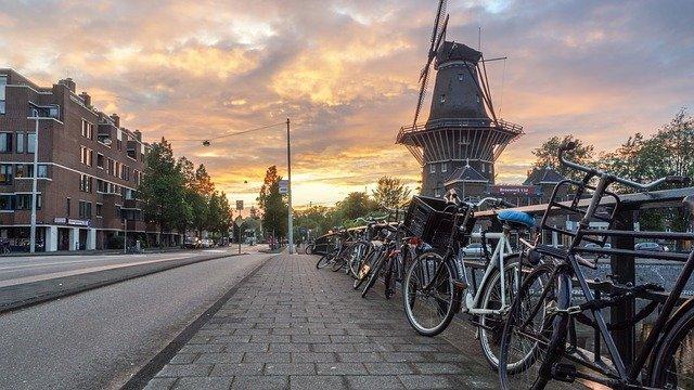 Jak wygodnie wybrać się do Holandii?
